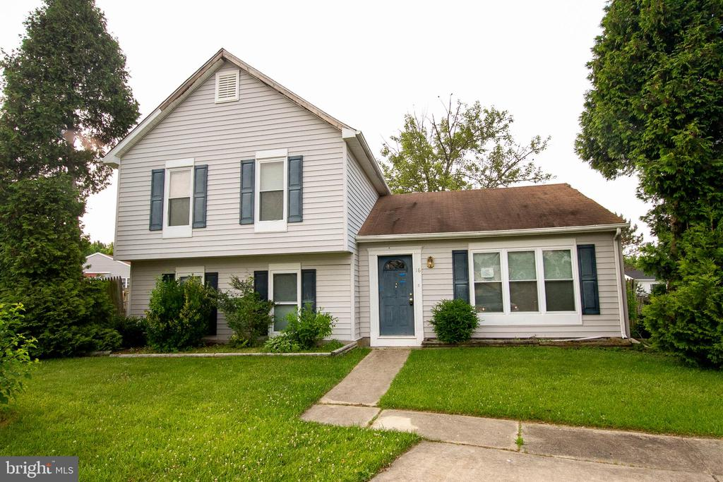 Now Available, Spacious home in Middle River. Enjoy this summer in a new home with spacious back yard and off street parking. Home features 4 bedrooms, wood floors, Gourmet kitchen with cherry cabinets and tile floor.