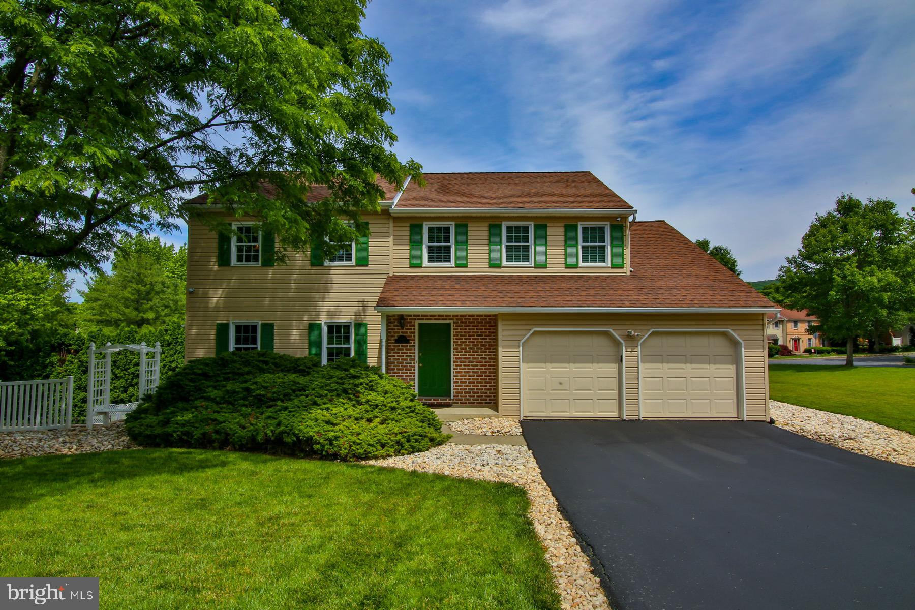 3525 COUNTRY CLUB ROAD, ALLENTOWN, PA 18103