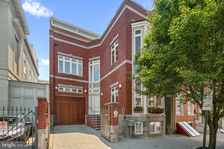 838 LOMBARD STREET, PHILADELPHIA, PA 19147