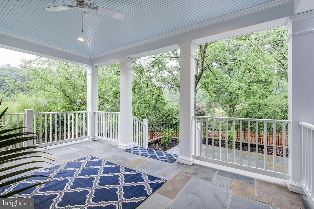 3304 Cummings Ln, Chevy Chase, MD 20815