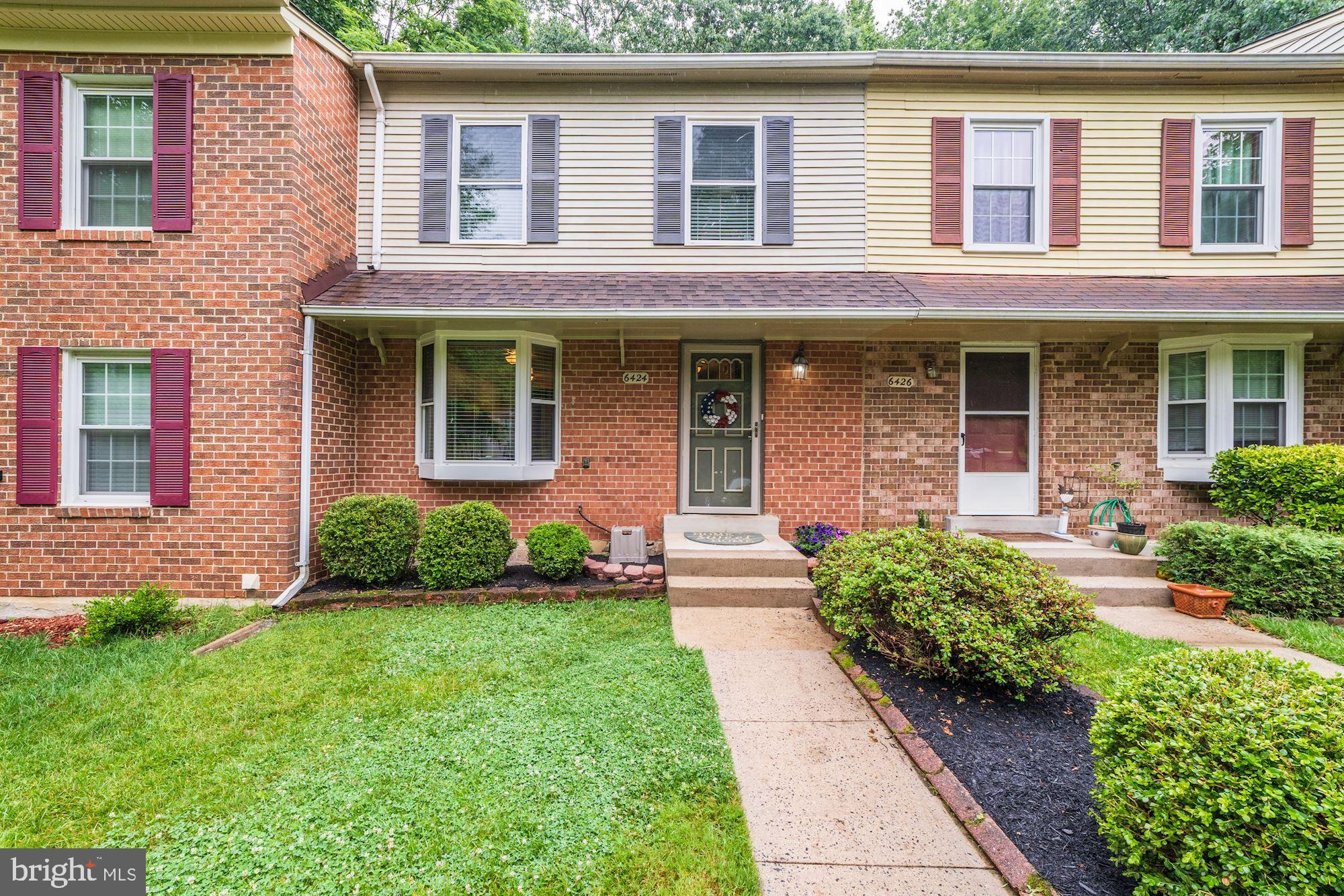 MOVE RIGHT INTO THIS FABULOUSLY SPACIOUS & LIGHT FILLED  3 BR, 2.5 3 LEVEL TOWNHOME IN SOUGHT AFTER SHANNON STATION & WEST SPRINGFIELD HIGH SCHOOL.   PREMIUM LOT BACKS TO PARKLANDS & COMMON SPACE - EXTEND YOUR PARTY SPACE BEYOND THE FENCE LINE!  AMPLE PARKING TO INCLUDE 2 ASSIGNED & MANY VISITOR SPOTS.  4 POOL PASSES CONVEY SO ENJOY SUMMERTIME FUN!  BRAND NEW ROOF, NEWER WINDOWS AND SIDING,  FULLY UPDATED EAT-IN KITCHEN BOASTS GRANITE, CHIC BACKSPLASH & NEWER APPLIANCES.  HARDWOODS ON MAIN & NEW CARPET UPPER & LOWER.  SPACIOUS MASTER WITH UPDATED BATH PLUS 2 ADDITIONAL UPPER BR SERVICED BY HALL BATH.  WALK OUT LOWER LEVEL OFFERS GREAT SPACE TO WORK OR PLAY WITH ACCESS TO PRIVATE REAR BRICKED PATIO -  PERFECT FOR WARM WEATHER BBQ'S & DINING. FABULOUS COMMUNITY AMENITIES TO INCLUDE POOL, TOT LOTS, TENNIS & COMMUNITY GARDEN! EASY COMMUTE TO FT BELVOIR, PENTAGON & MORE! NOTHING LEFT TO DO BUT MOVE IN!