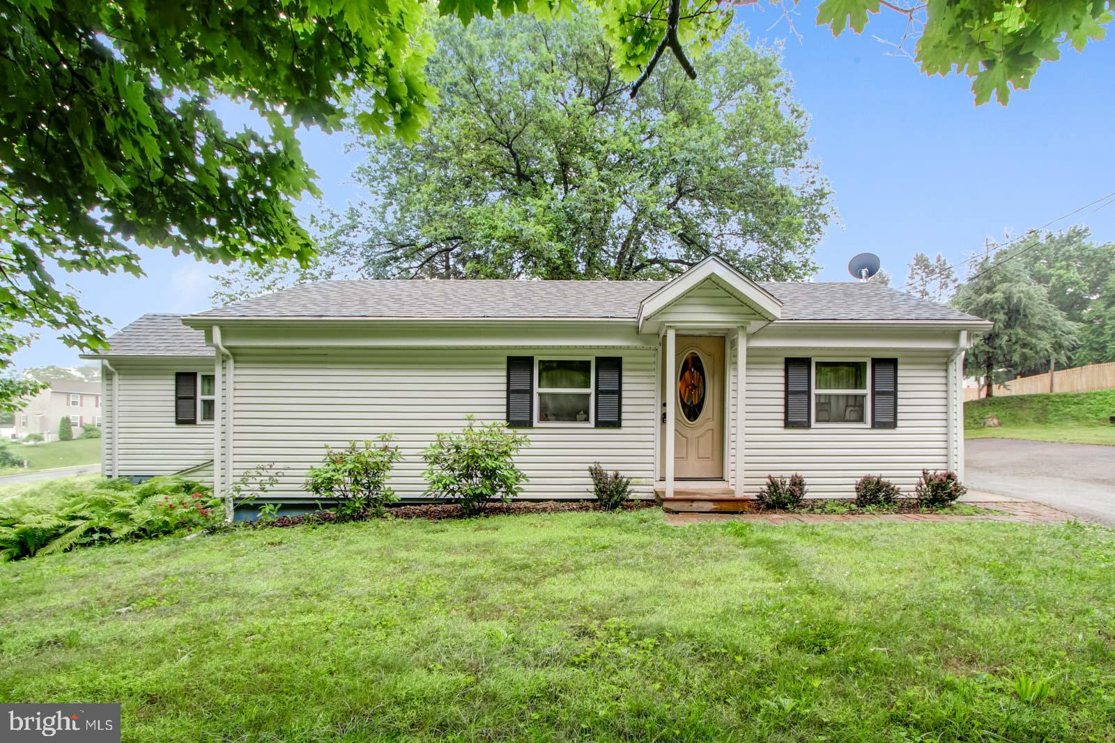 120 VALLEY ROAD, WINDSOR, PA 17366