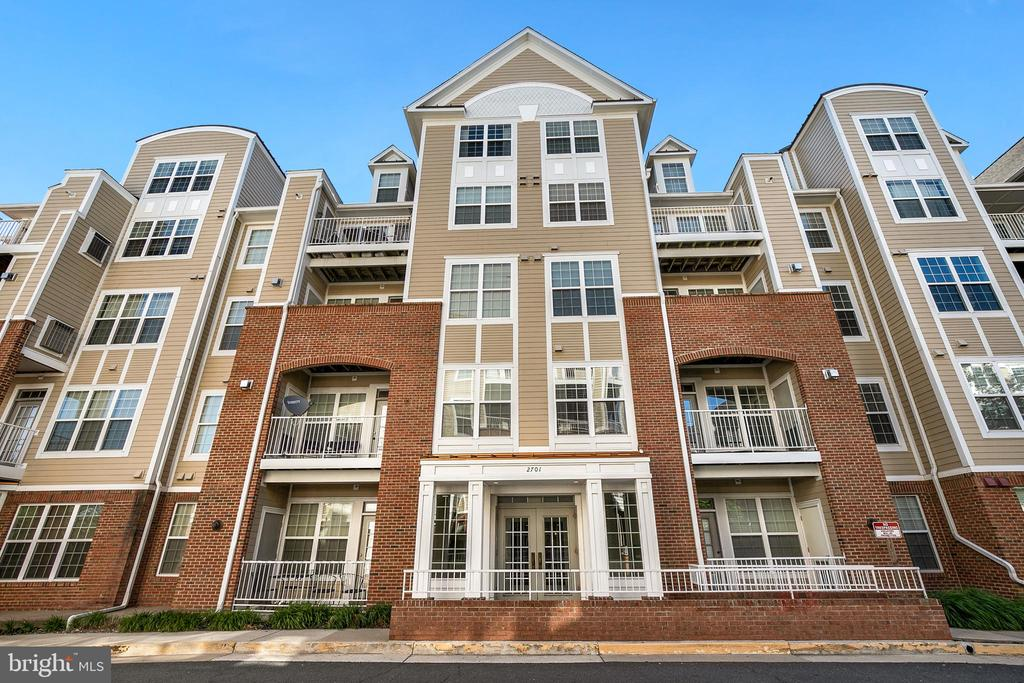 2701 Bellforest Ct #408, Vienna, VA 22180