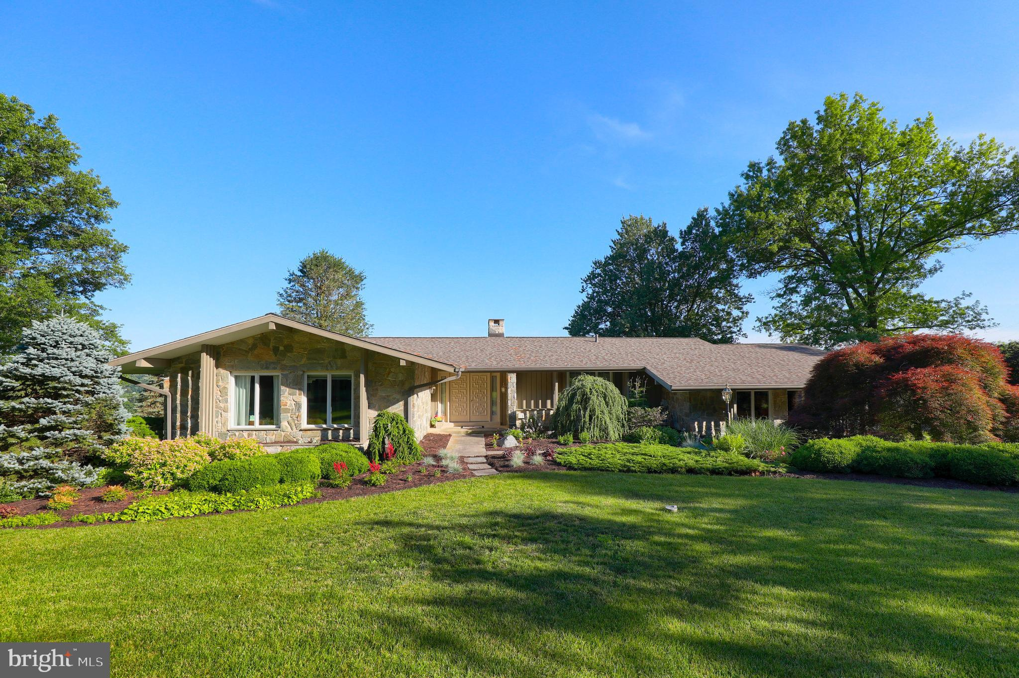 102 UPPER VALLEY ROAD, CHRISTIANA, PA 17509