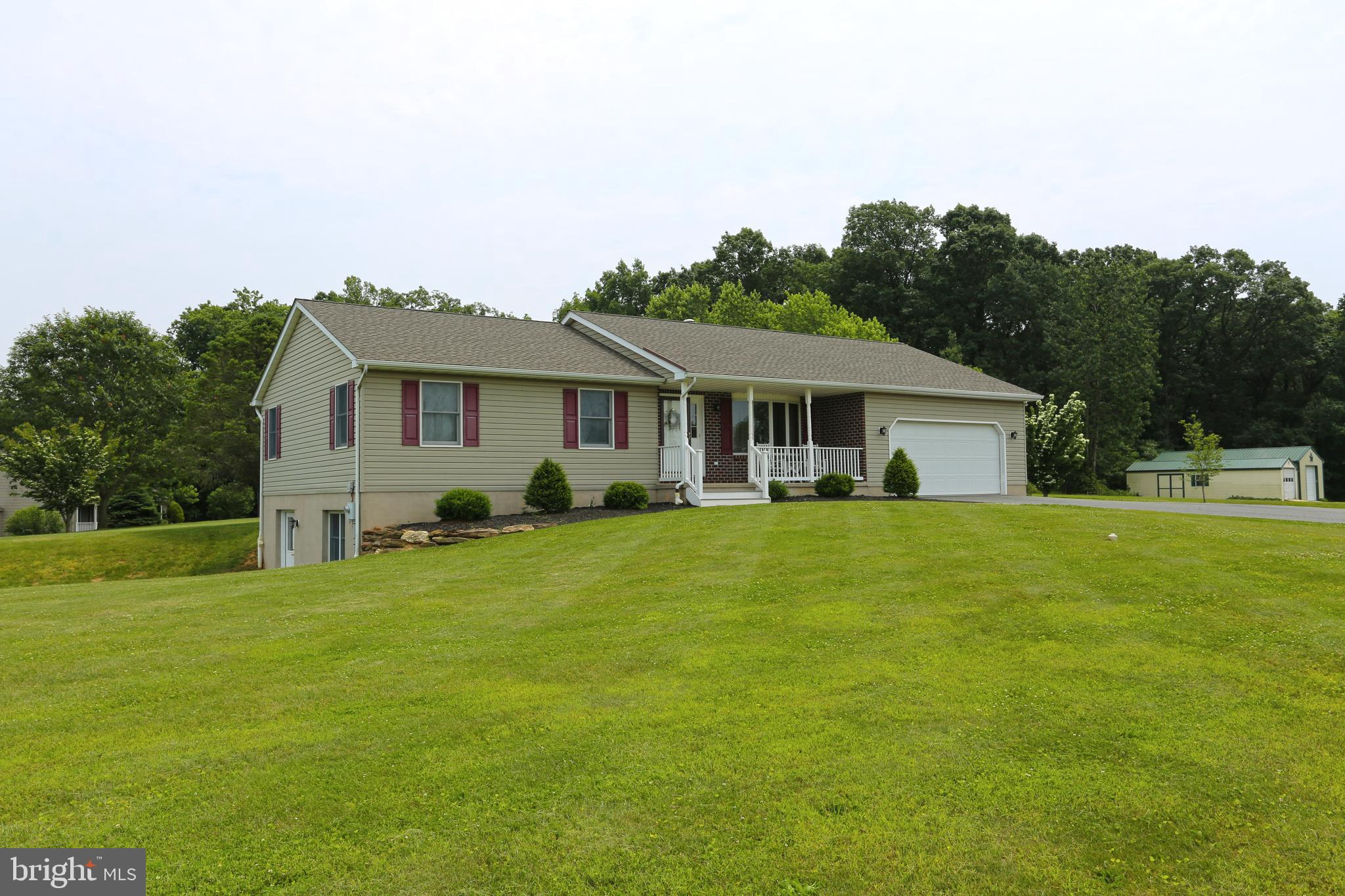 401 KUNKLE ROAD, FAWN GROVE, PA 17321