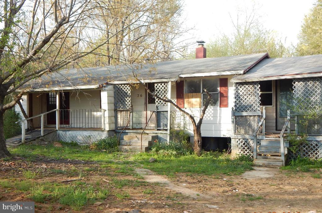 26 RESETTLEMENT ROAD, FLINT HILL, VA 22627