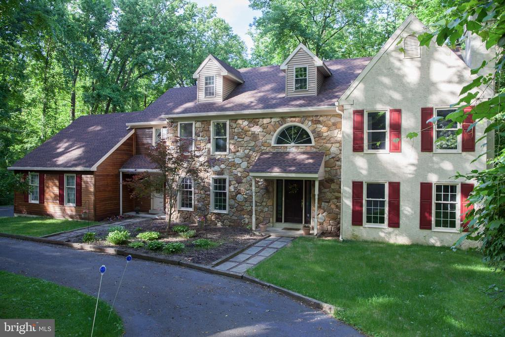 995 BEVERLY LANE, NEWTOWN SQUARE, PA 19073