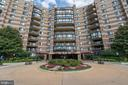 8340 Greensboro Dr #621