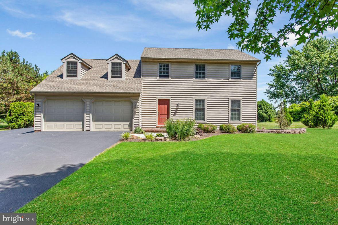 2740 STOVERSTOWN ROAD, SPRING GROVE, PA 17362