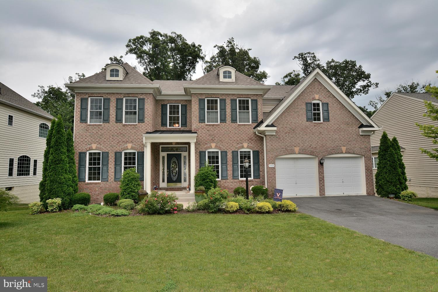 BEAUTIFUL HOME IN ESTABLISHED NEIGHBOR. 10 MINUTES FROM FRANCONIA RD, SPRINGFIELD METRO. NEAR SHOPPING CENTERS, RESTAURANTS, CHURCHES AND SCHOOLS. 6 BEDROOMS AND 5,5 BATS. BACKS TO TREES. CUL-DE-SAC. FULL FINISHED BASEMENT WITH BEDROOMS AND FULL BATH. 2 CAR GARAGE ATTACHED. 24 hours notice before showing please!