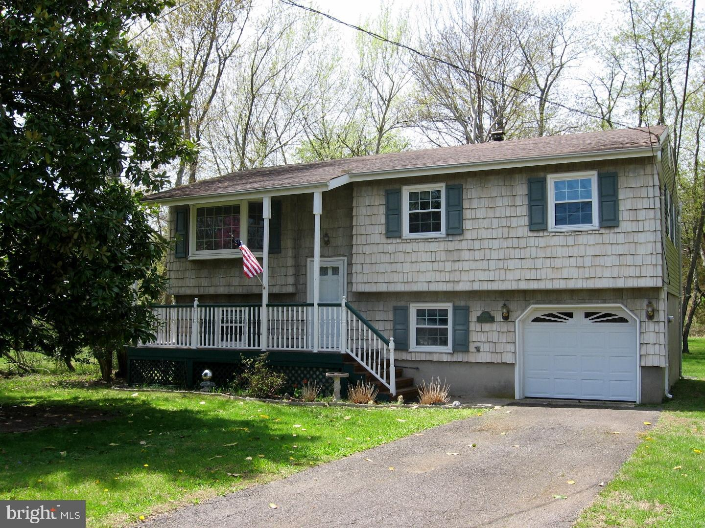 550 DIAMOND ROAD, JACKSON, NJ 08527