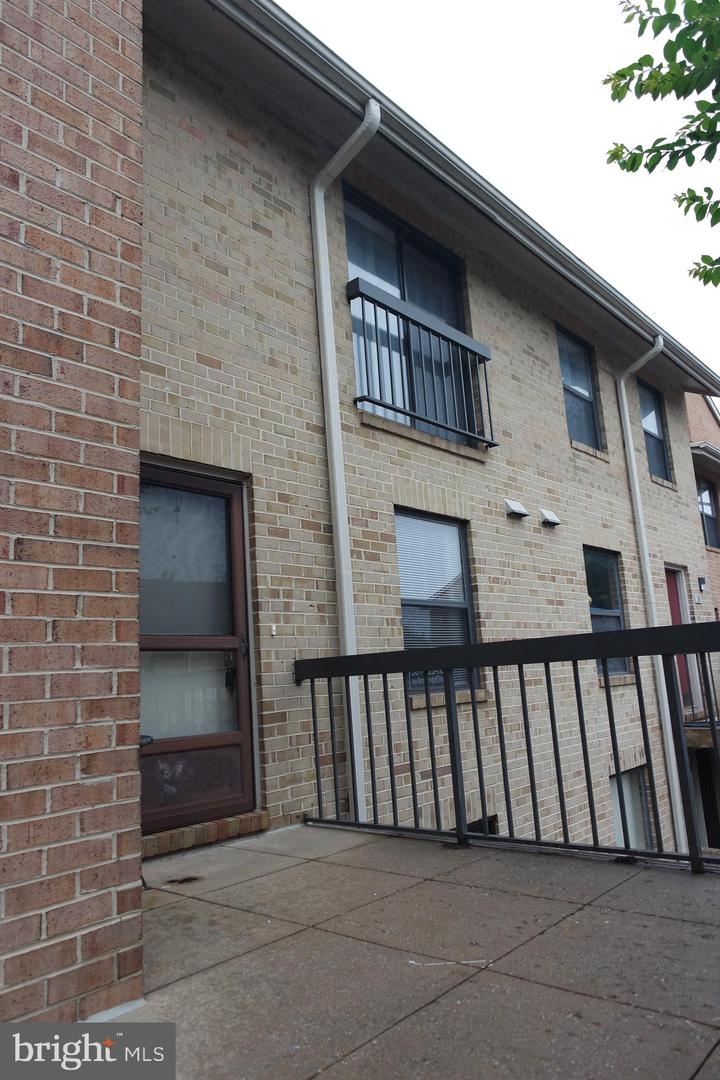 18 Dudley Ct #9 Bethesda MD 20814