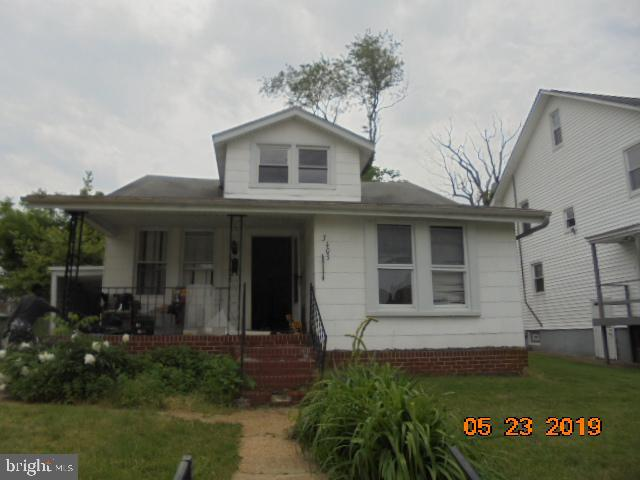 Single family home at a town home price.   Needs some work.  Schedule a showing today.