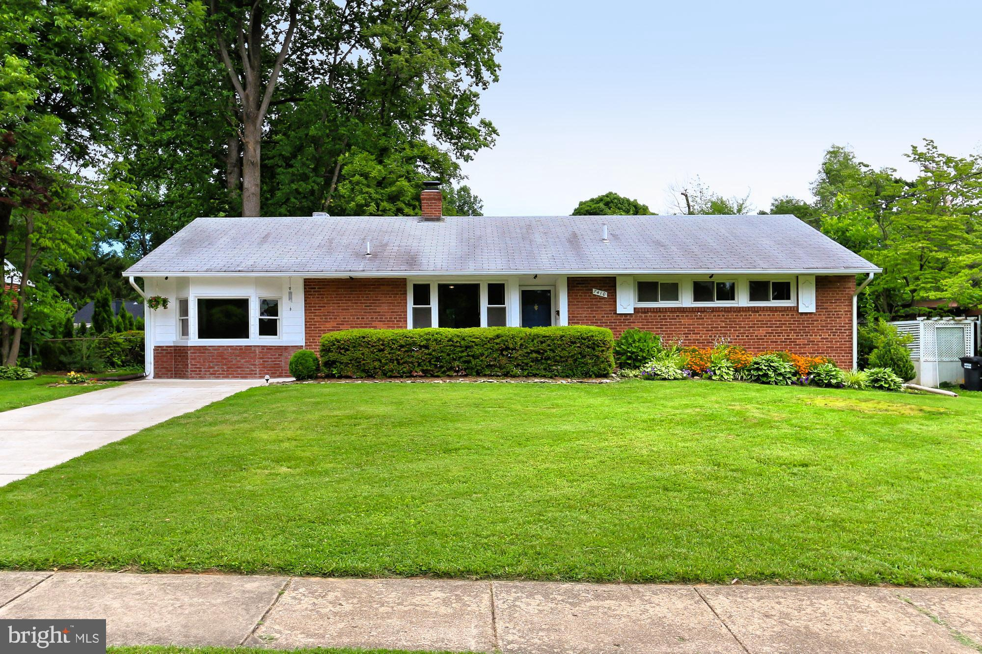 Updated and expanded rambler in sought after community! This move-in ready home has 3 bedrooms, 2 bathrooms, a large family room addition and an expansive yard! As you enter the home, hardwood floors welcome you through the main living area. The kitchen has been updated with modern touches, stainless steel appliances and granite countertops. Off of the kitchen is a large den...perfect for an office, playroom or guest space. As you pass through the generous sized dining room area, you enter your enormous family room addition with cathedral ceilings, surrounded by new windows for tons of natural light. There are 3 spacious bedrooms and 2 gorgeously updated bathrooms. The entire house has been freshly painted and features tons of recessed lighting. Updated laundry room with newer HVAC unit and lots of storage!The patio off of the family room is perfect for entertaining on those relaxing sunny afternoons. The flat backyard is ideal for summertime fun on the playset and gardening. You'll find plenty of storage room in the double decker shed! Location!  Situated in a great neighborhood and close to major commuting routes, the VRE, Metro Bus w/ express service to the Pentagon and Express Lanes. Easy neighborhood access to Lake Accotink Park, Fairfax County Cross Country Trail and connector to Wakefield park trails. Minutes to great retail, restaurants and Audrey Moore Rec Center!