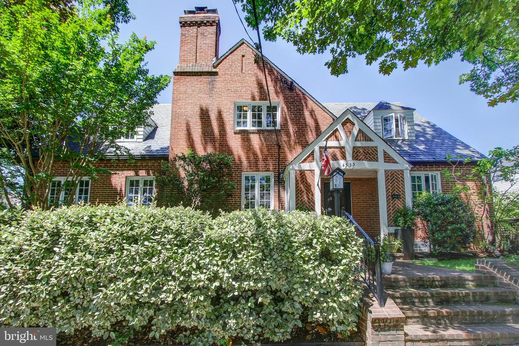 """Open Sat 2-4:30pm! Unique custom Tudor-influenced col with many upgrades and so much space! Flexible floor plan. Orig in-home doctor's office w/ sep entr is now a main lev 2nd MBR suite, study plus den! Large original garage converted to semi-fin room with radiator, window, French doors to exterior. Wonderful location.  Spring Valley shopping center, schools, library, restaurants, Friendship """"Turtle"""" Park, Tenley Mtro!"""