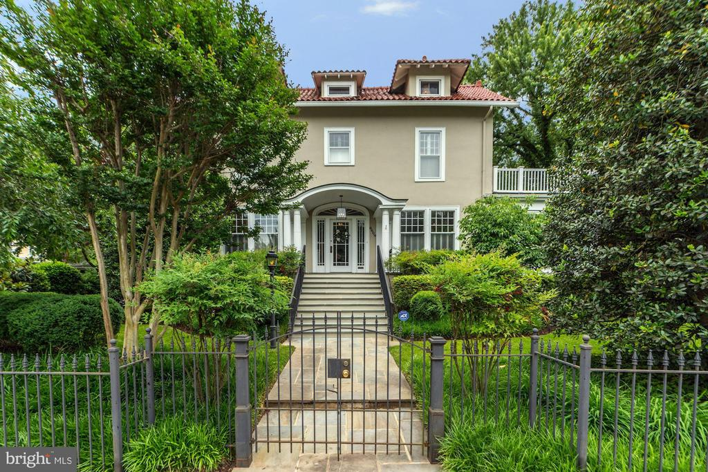 6609 Brookville Rd, Chevy Chase, MD 20815