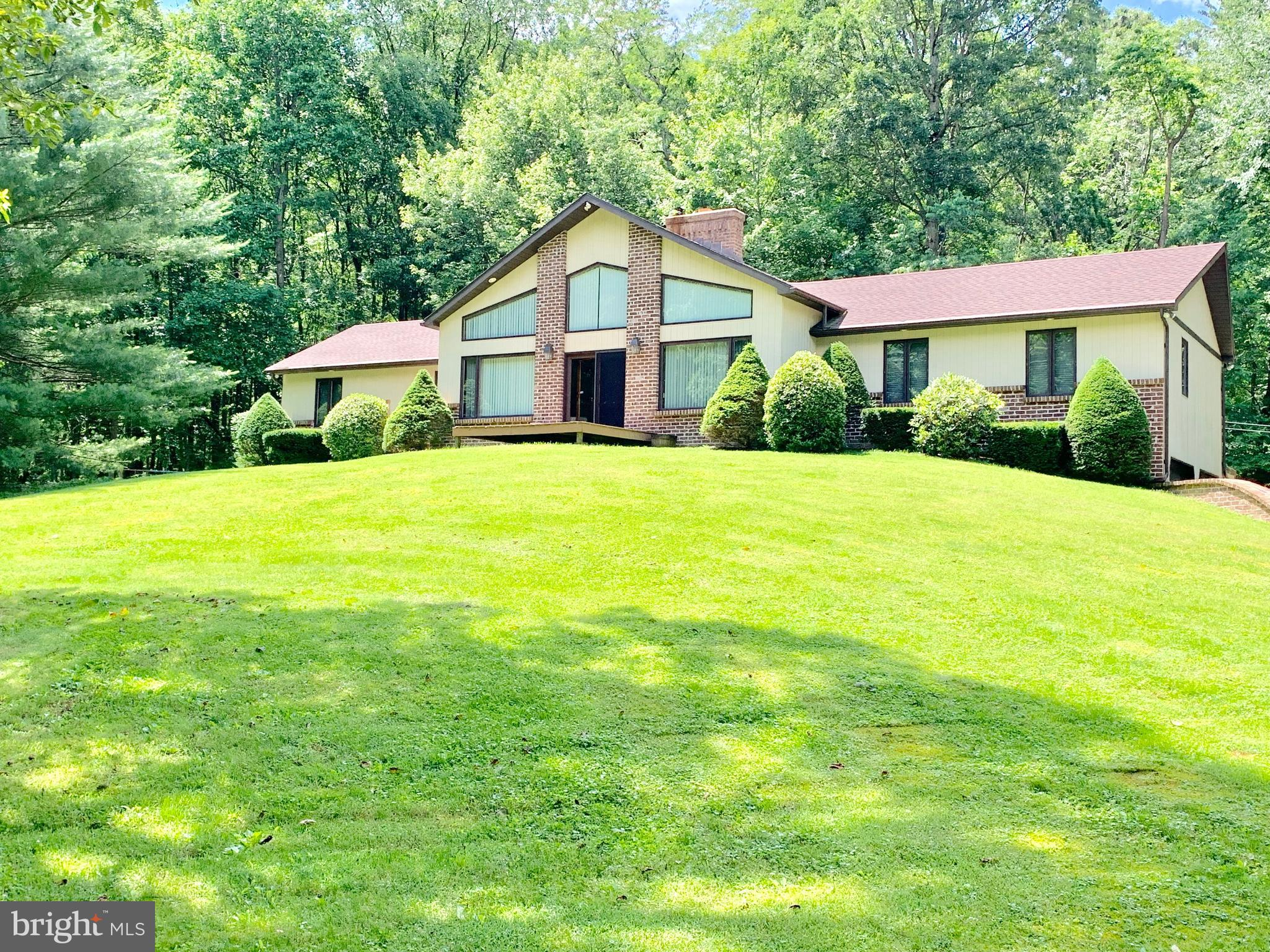 1362 INDIAN PEG ROAD, BOILING SPRINGS, PA 17007