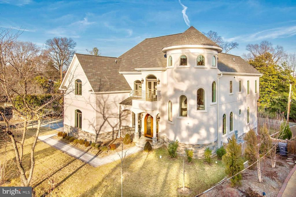 2015  ARLINGTON RIDGE ROAD, Arlington, Virginia 6 Bedroom as one of Homes & Land Real Estate