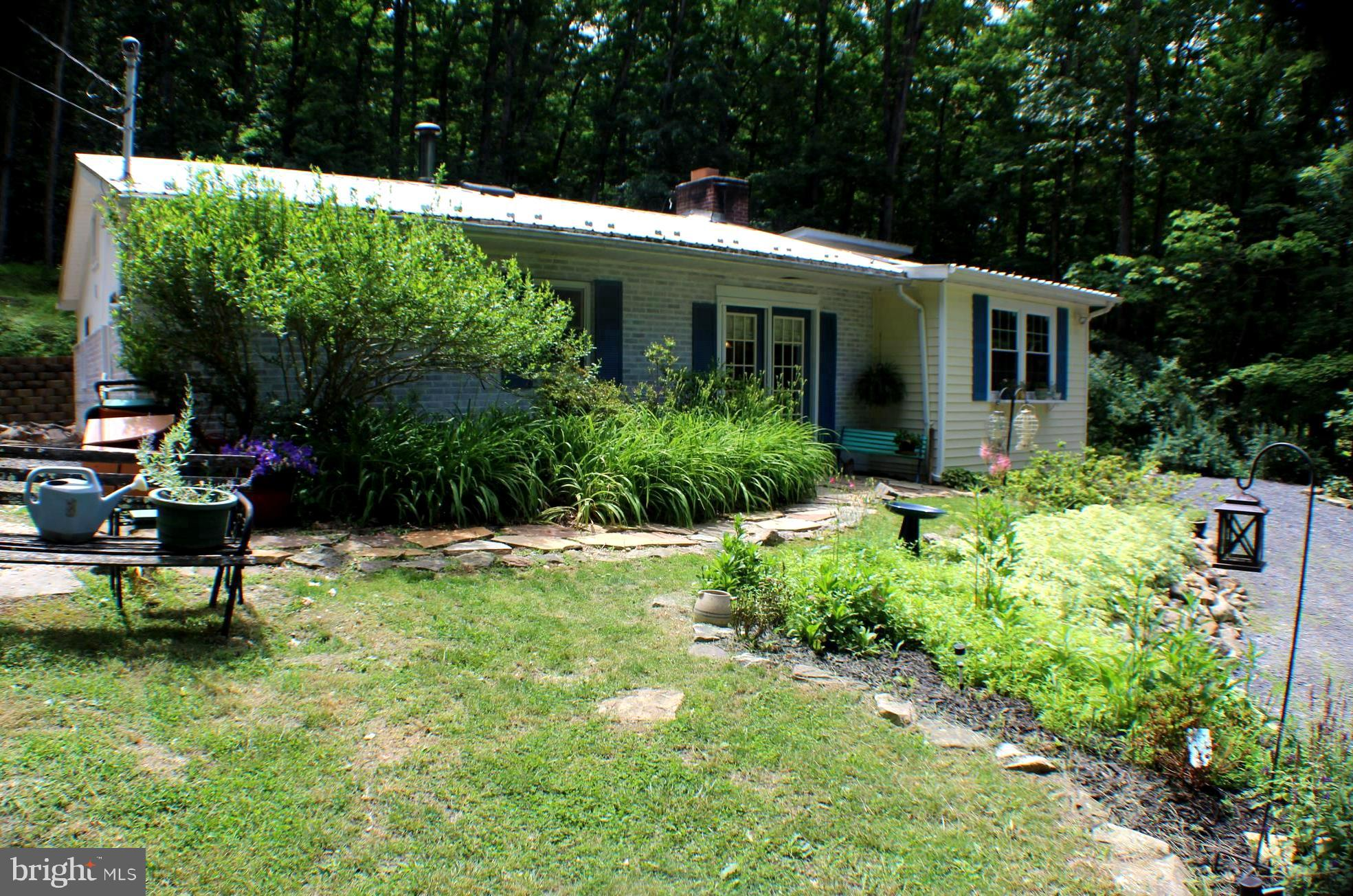 884 HIGH KNOB ROAD, OLD FIELDS, WV 26845