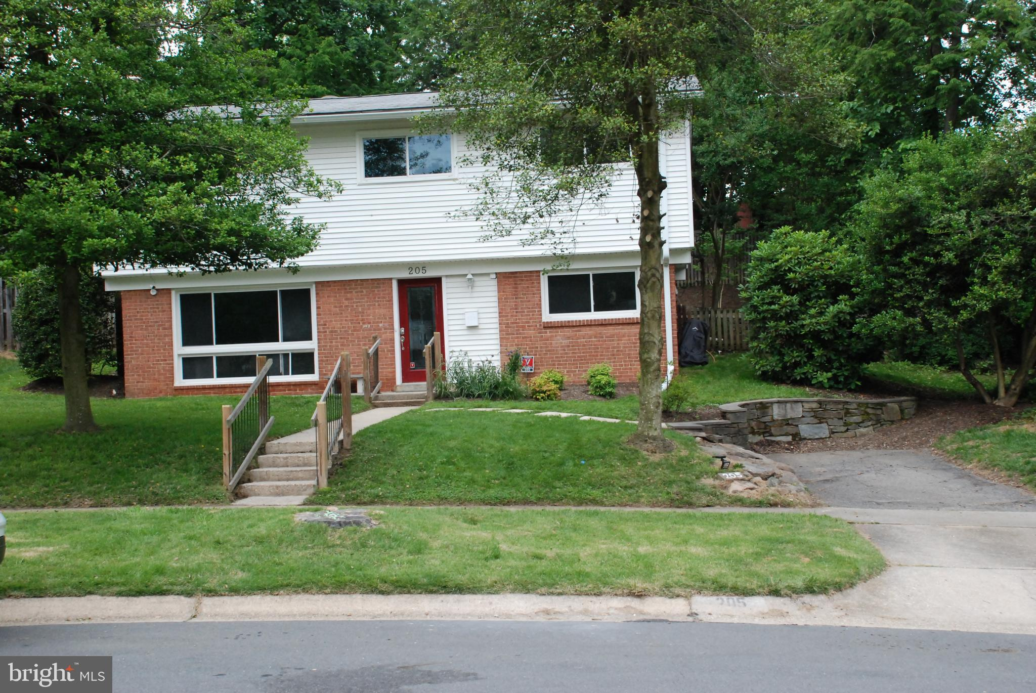 205 THISTLE DRIVE, SILVER SPRING, MD 20901