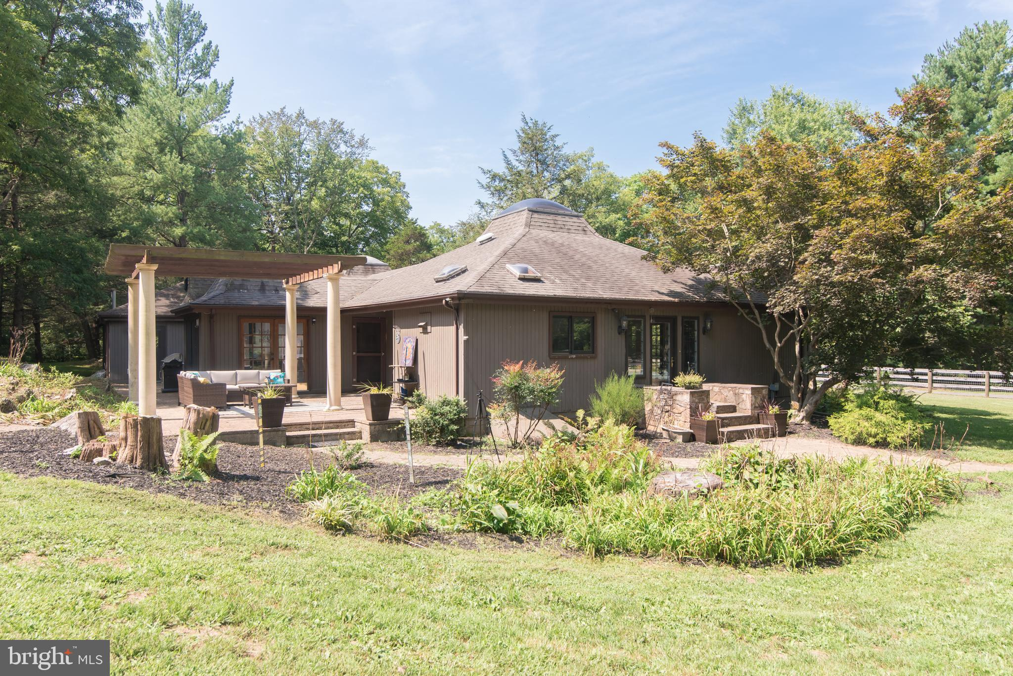 2436 WARM SPRINGS ROAD, SHENANDOAH JUNCTION, WV 25442
