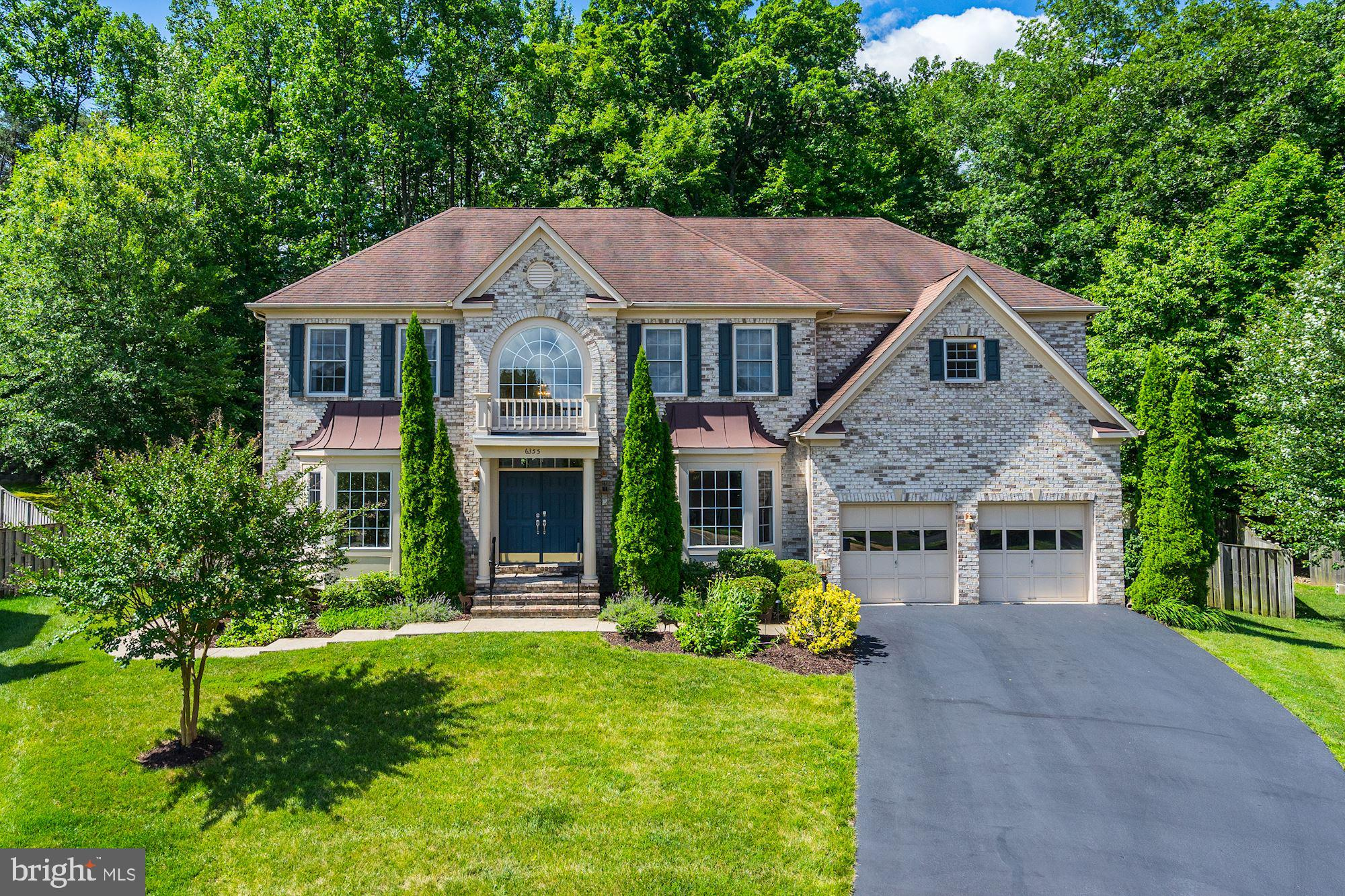 Premium Lot back to woods, professional landscaped, Underground Sprinkler System, the extensive patio is ideal for entertainment, exterior lighting system. Open concept spacious kitchen, breakfast bar, and space for a large table next to the kitchen, butler's pantry, large studio, spacious family room next to the kitchen area, formal dining room, separate living room, 2 story foyer, hardwood on main level. Large master bedroom with sitting area, walk in closet, large master bathroom, 4 bedrooms 3 full baths in the upper level. The basement has a large room that can be used as a bedroom which is connected to the full bath, which also has a door to the main basement area, wet bar, family room, and a large Home Theather room, this is a great, amazingly spacious home, with a half an acre lot located in a cul de sac that backs to the woods, great location close to the metro, the Kingstowne shops, Springfiled Mall, close to major roads!