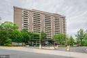 1800 Old Meadow Rd #414
