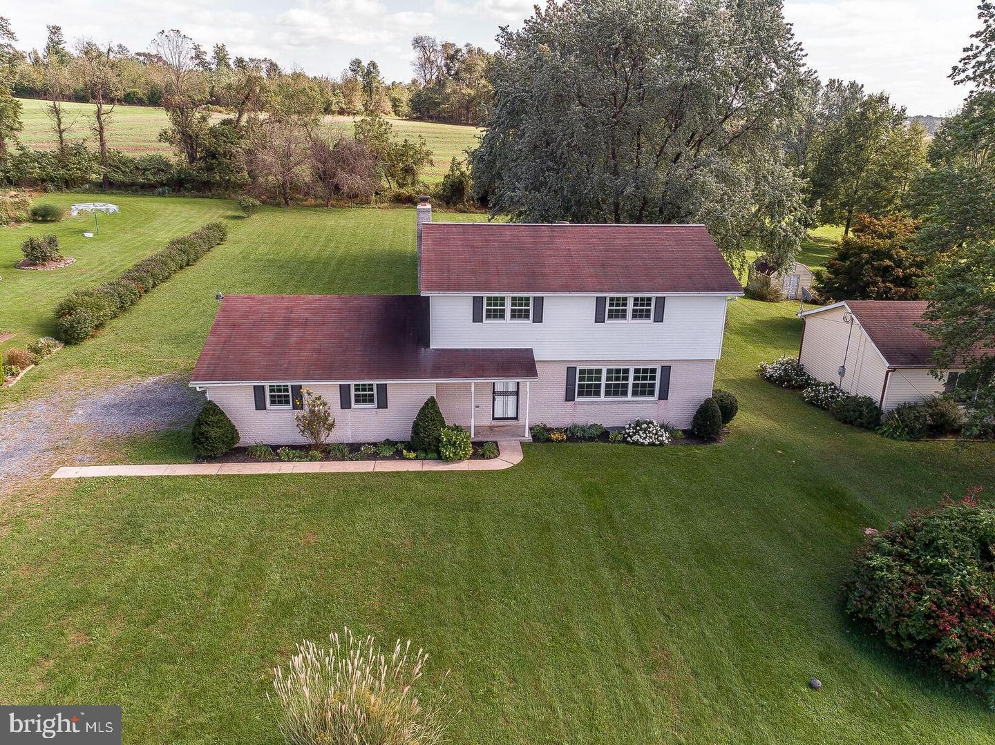 1260 OLD MOUNTAIN ROAD, WELLSVILLE, PA 17365