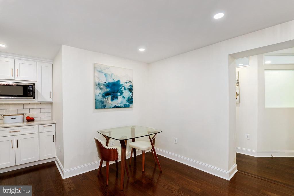 4820 Chevy Chase Dr #b-2, Chevy Chase, MD 20815