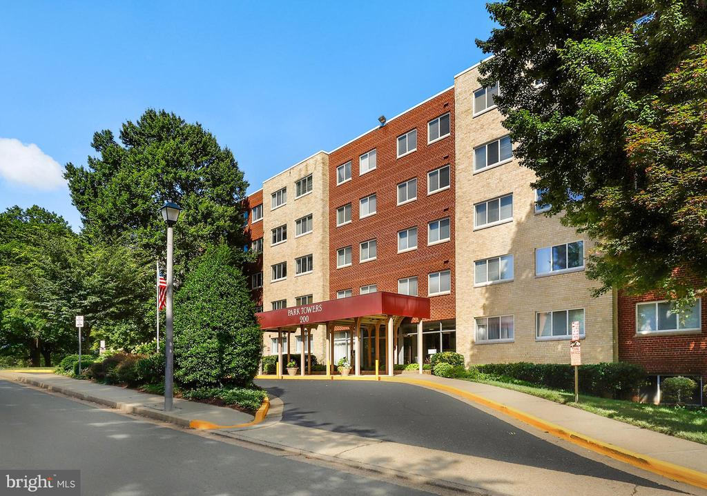 200 N Maple Ave #315