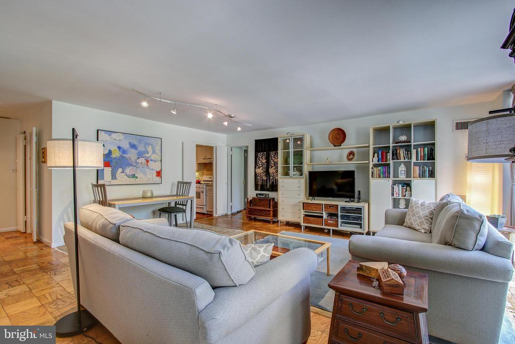 4620 N Park Ave #208w, Chevy Chase, MD 20815