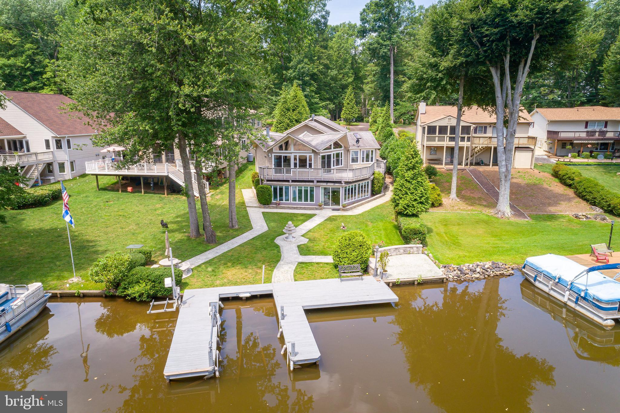 100 HARBOURVIEW DRIVE, LOCUST GROVE, VA 22508