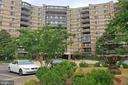 8370 Greensboro Dr #502