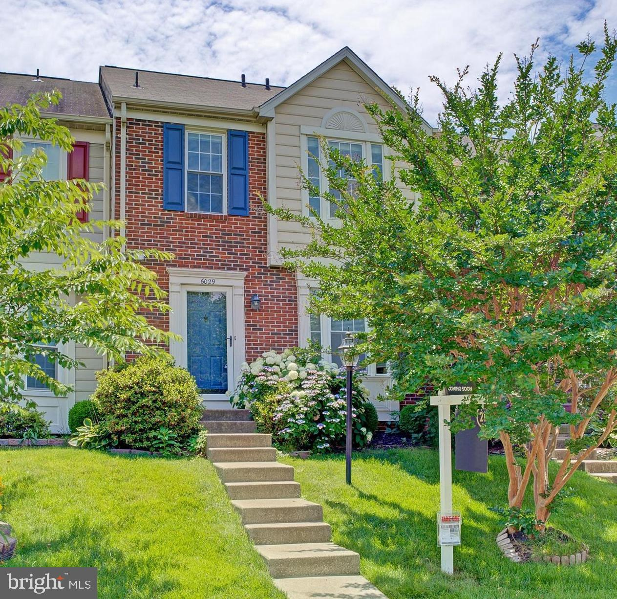 ***6/23 Open House Cancelled***Sunny and bright TH in the heart of Kingstowne. Hardwood floors throughout main level, brand new carpet on lower level, freshly painted and ready for new owners. Walk up lower level has full bath and a large storage room.                                            Updates include: -New roof with 10 year warranty June 2017~ 1st floor hardwoods ~ August 2015~New dishwasher March 2019~New refrigerator May 2019~New hot water heater w/ 6 year warranty June 2019~New basement carpet June 2019