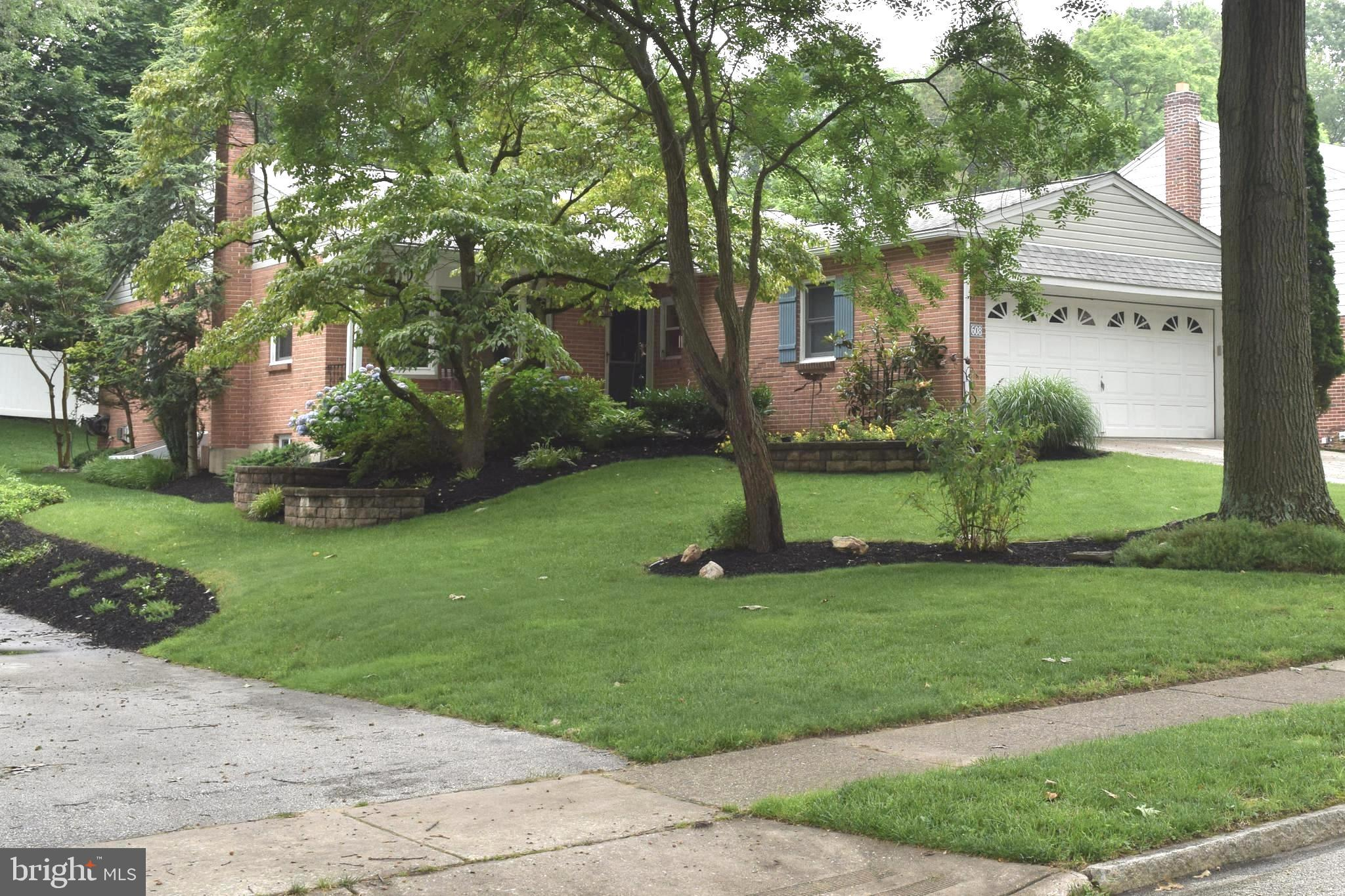 608 OLD SCHOOLHOUSE DRIVE, SPRINGFIELD, PA 19064