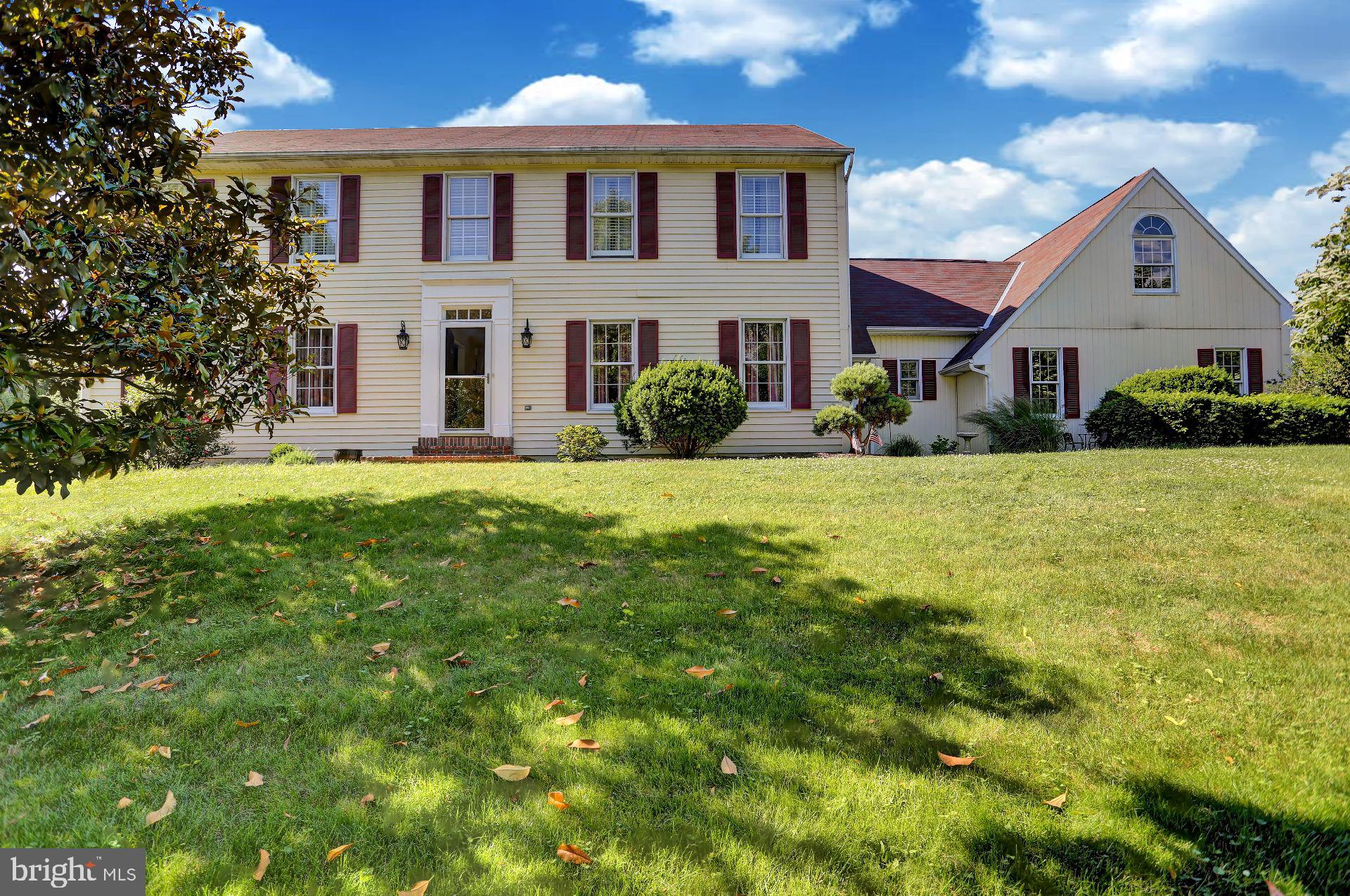 4929 MEADOWVIEW DRIVE, MACUNGIE, PA 18062
