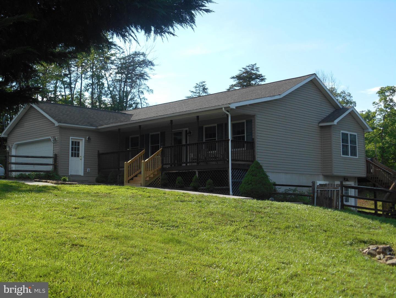 65 Dehaven Rd Berkeley Springs WV 25411