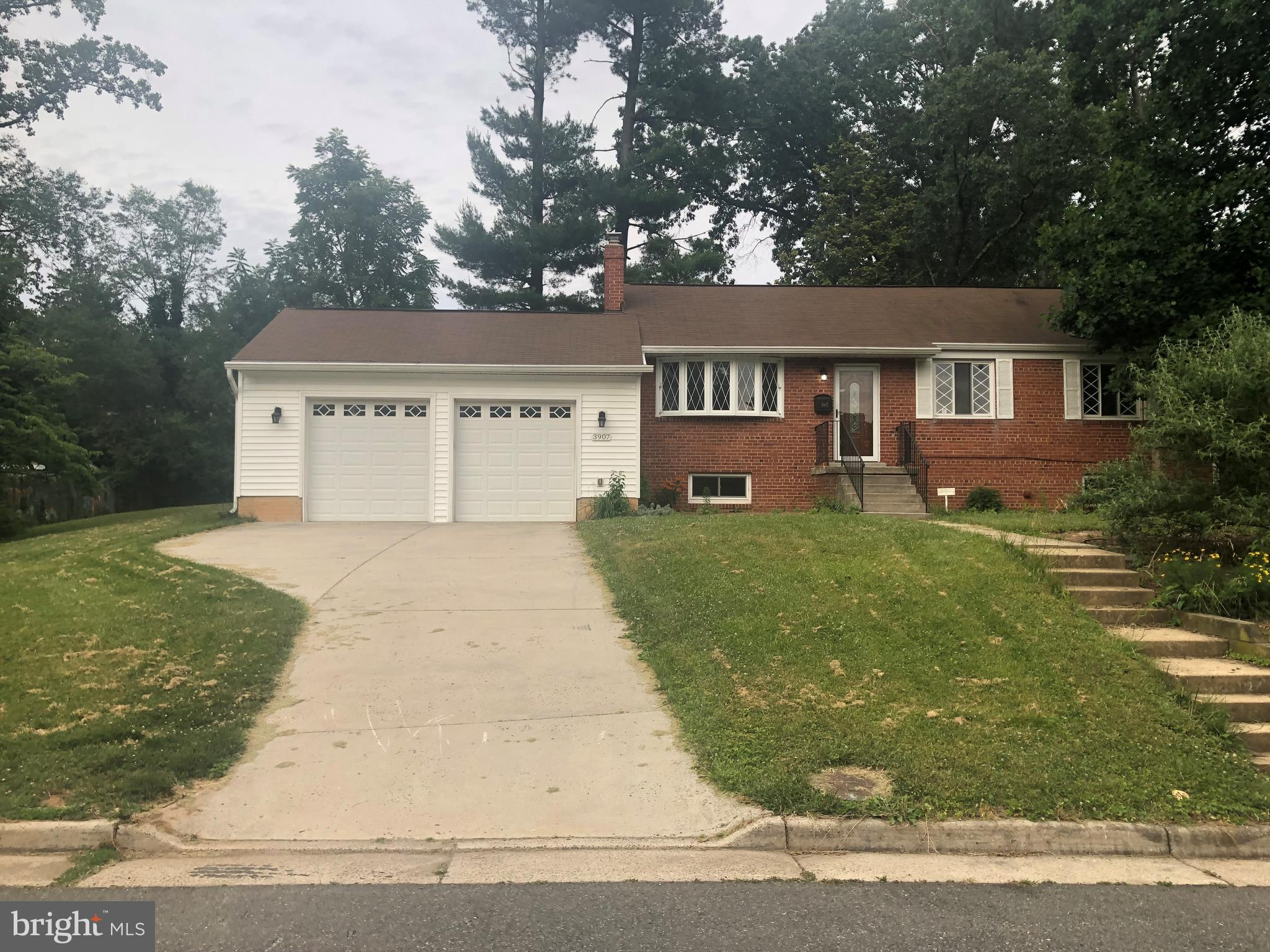 Back on Market! Contract Fell Through and Price Reduced for Quick Sell!! Large Rambler with Detached 2 Car Garage in Sought After Cul De Sac Neighborhood, 5 Bedrooms, 2 Full Baths, Large Kitchen, Granite Countertops, Stainless Steel Cooktop, Oven, and Microwave. Close to Major Highways, and Shopping.