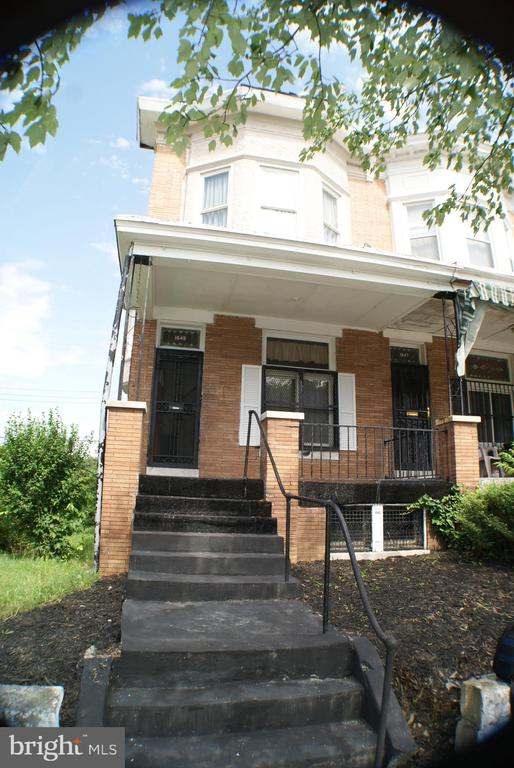 Blocks from Coppin State College. Spacious rooms  high ceilings. Small patio off kitchen