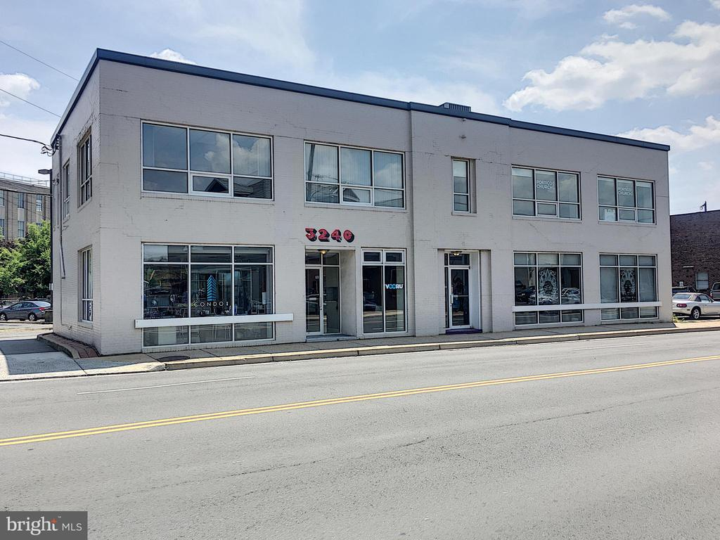 Rare studio/storage space in the heart of Clarendon!  Located on Wilson Blvd in the back of office building with separate entrance. Windows, shelving and sink with water hook-up. Tons of potential!