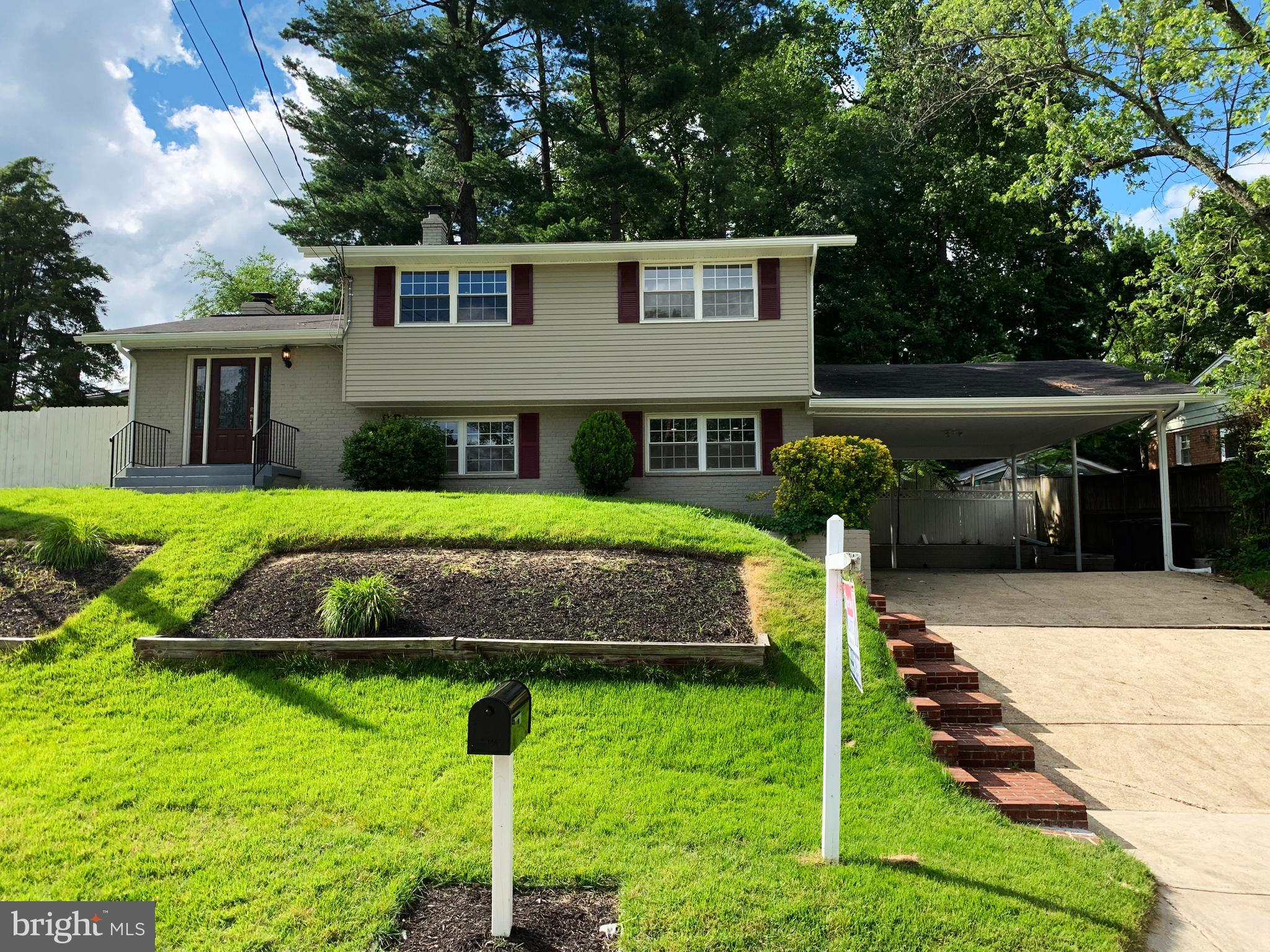 5404 CHESTERFIELD DRIVE, TEMPLE HILLS, MD 20748