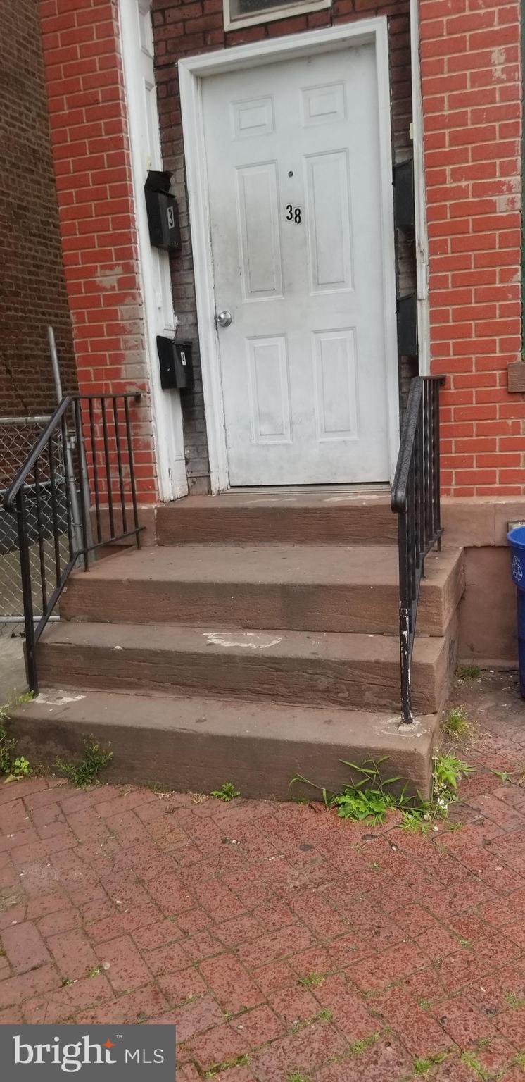 38 BAYARD STREET, TRENTON, NJ 08611