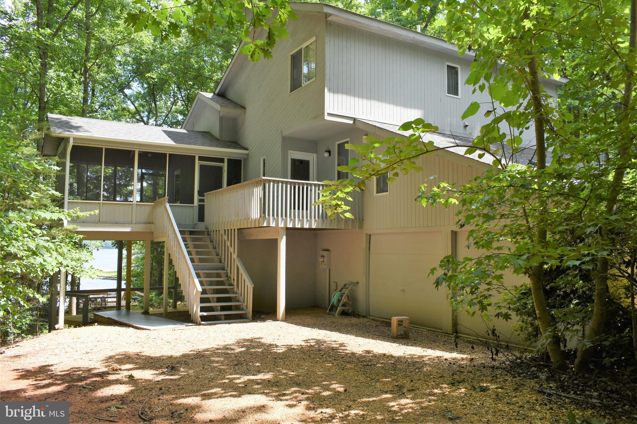 403 Lake Anna Drive, Bumpass, VA 23024