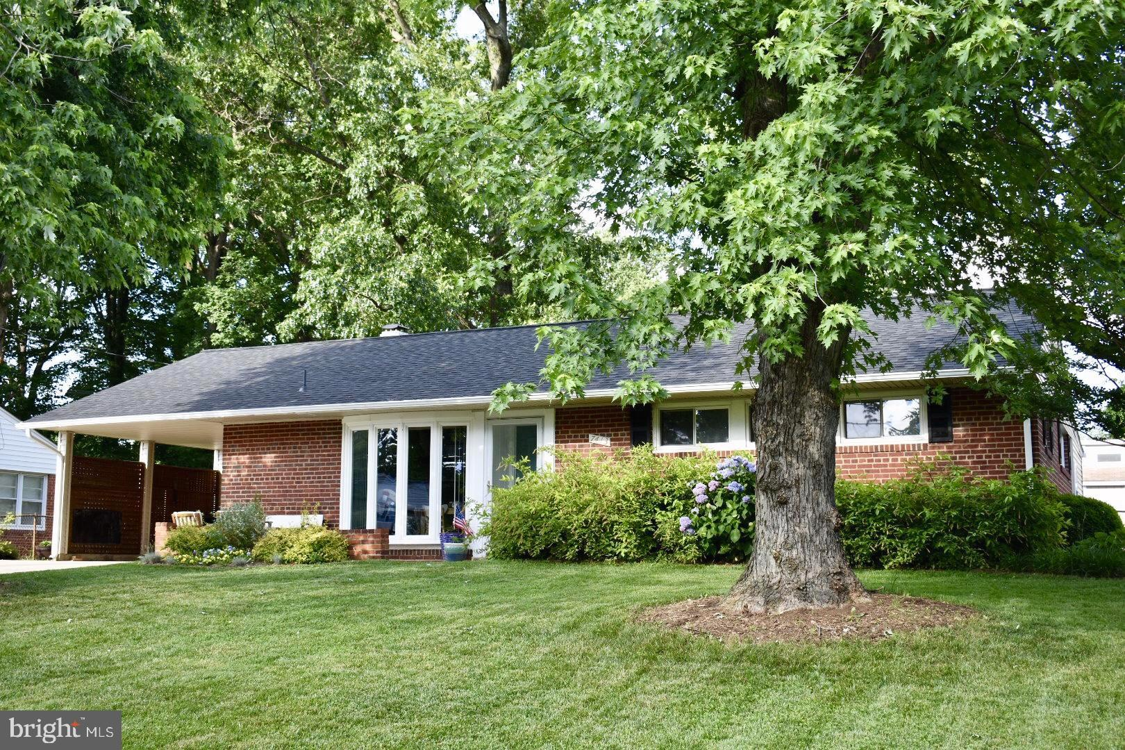 Charming rambler painstakingly updated for ease of living! Full kitchen remodel opening to family room w/custom solid maple cabinets, added peninsula, SS appliances, and tiled back splash make this home perfect for your family.  No maintenance Pergo flooring a must for your busy lifestyle. New roof, carpet, paint, vanities, and hot water heater are just a few updates.  Add an easy commute and close proximity to Lake Accotink Park and Crestwood Elementary School and this home sits exactly where you need to be to maximize your home and family time. Home Warranty offered,  All offers due by noon 6/25 after open house.