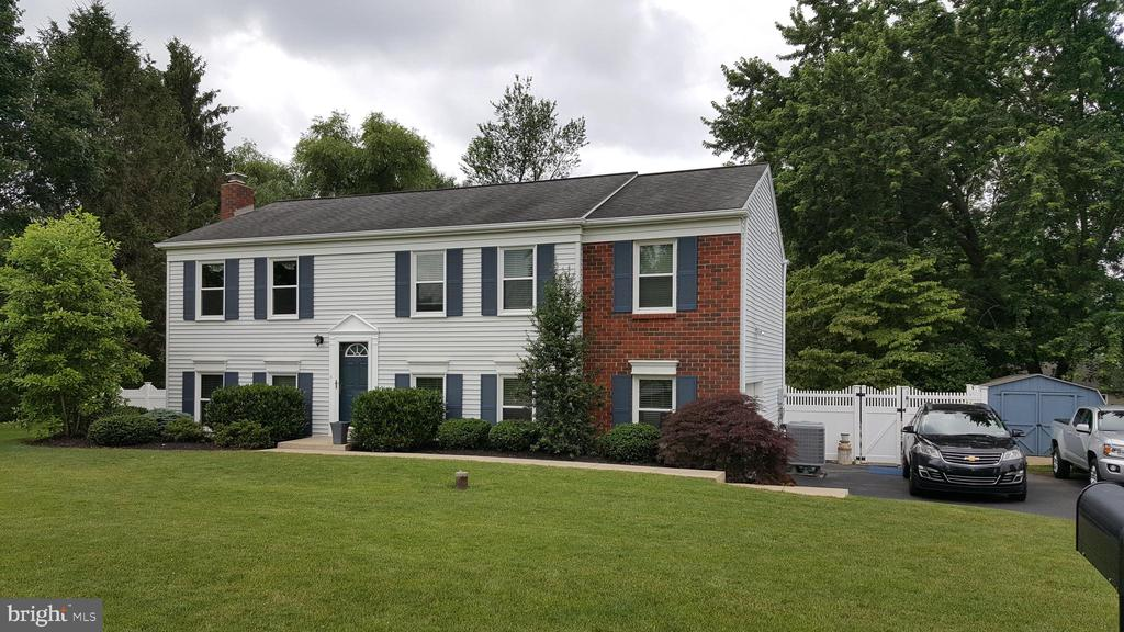 Well maintained Bi-Level in East Hempfield Township featuring 4 BRs & 2 Full Baths, family room, and multiple options for outdoor living/entertaining. Enjoy the updated kitchen w/the large garden window for extra light and openness. Don't miss this opportunity!