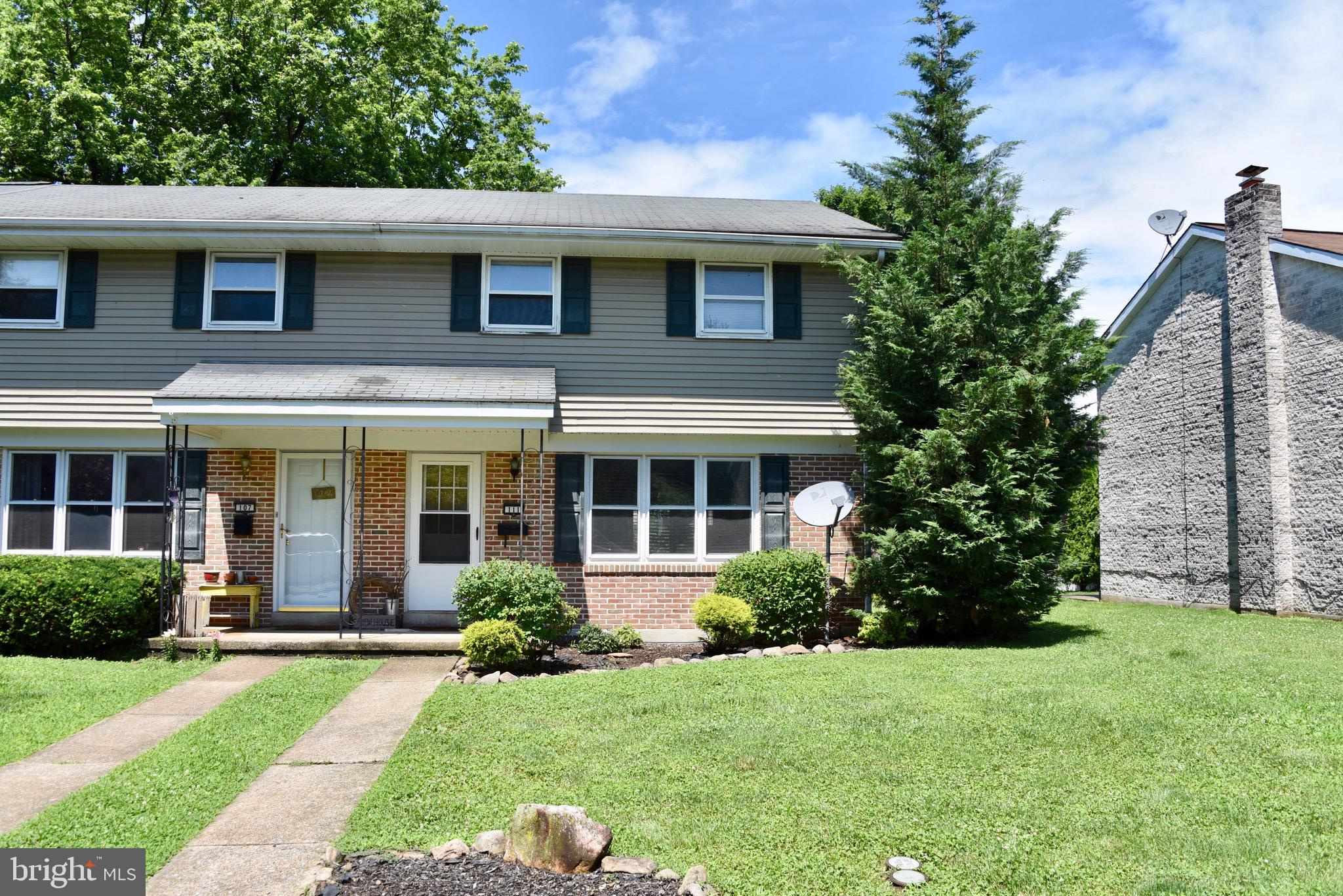 111 PENNBROOK AVENUE, ROBESONIA, PA 19551