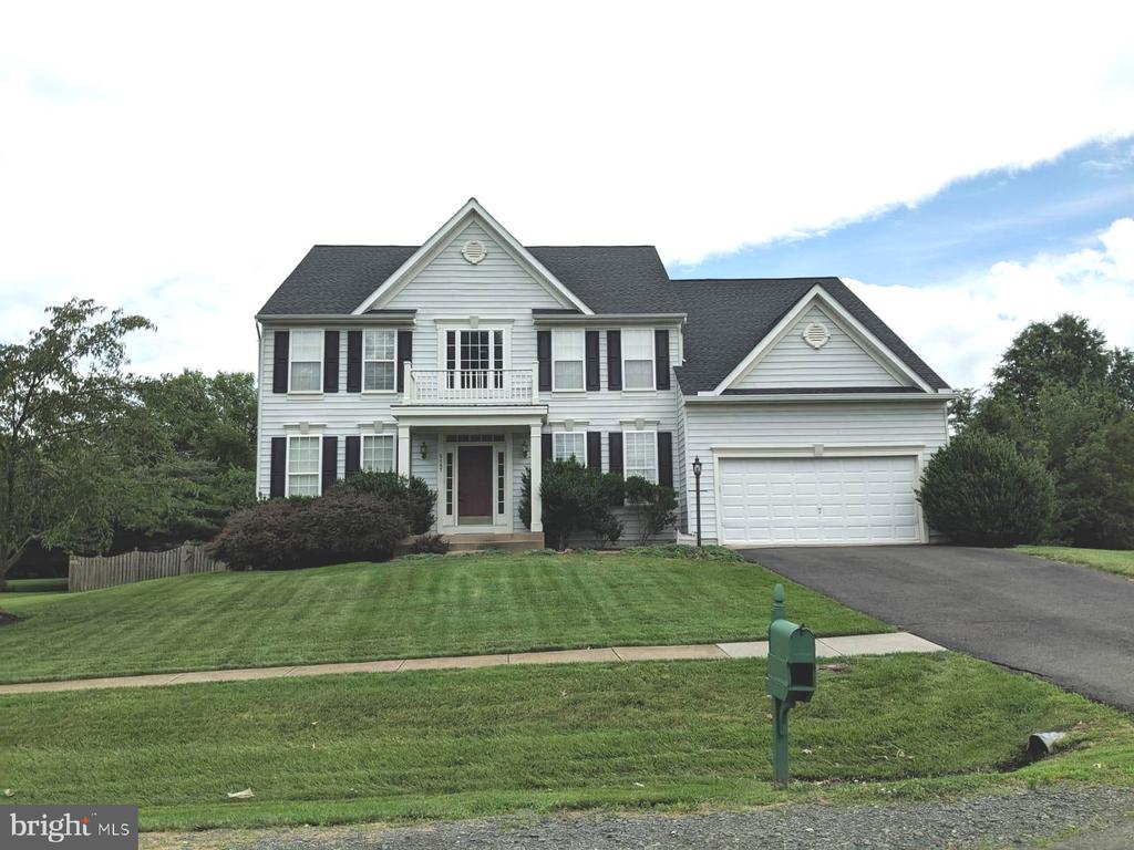 Great colonial on 3/4 acre lot, 3 finished levels, open floor plan. over sized rooms. large lot with a sports court complete with light.