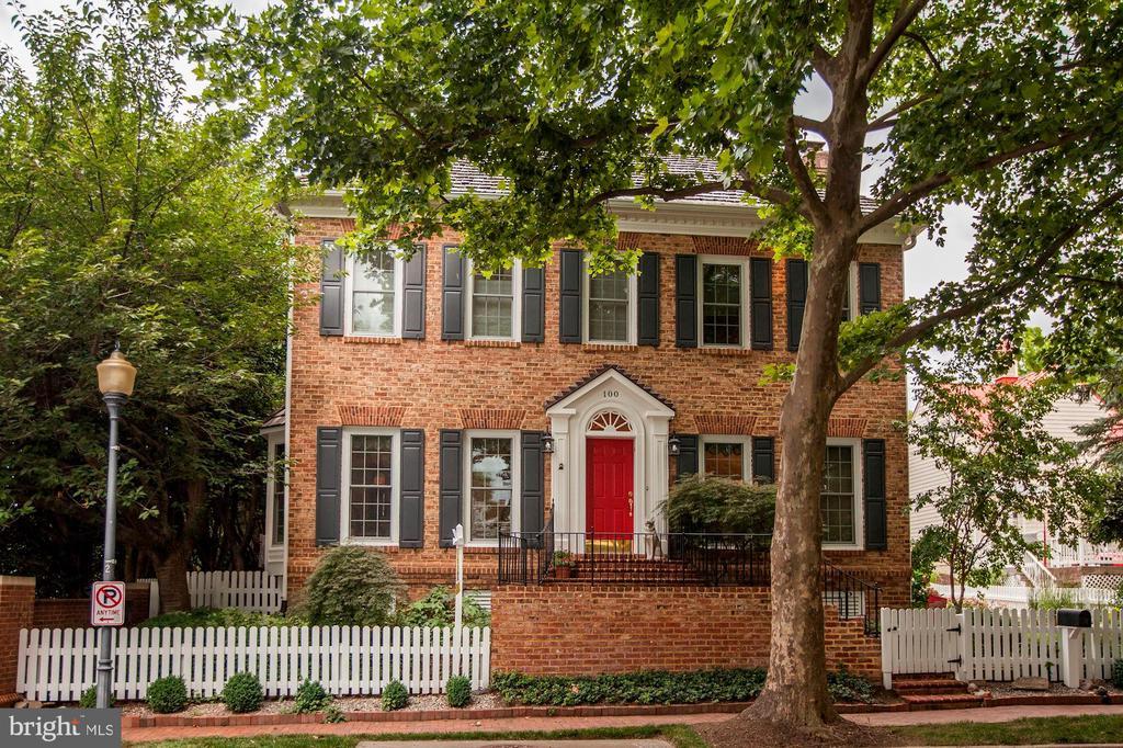 100  KENT OAKS WAY, Gaithersburg, Maryland