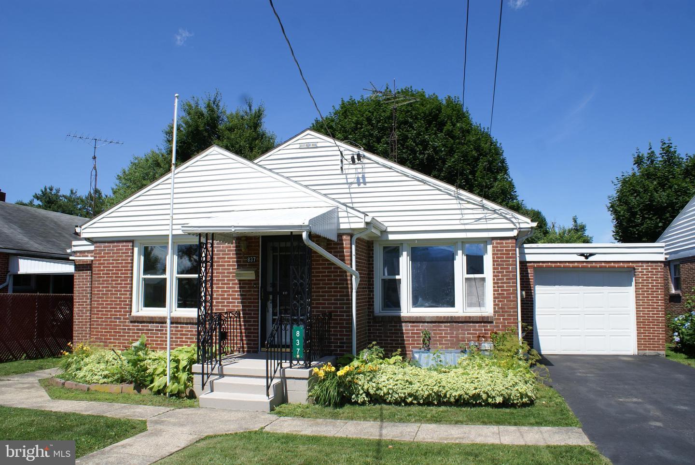 837 Blanchard Ave Chambersburg PA 17201