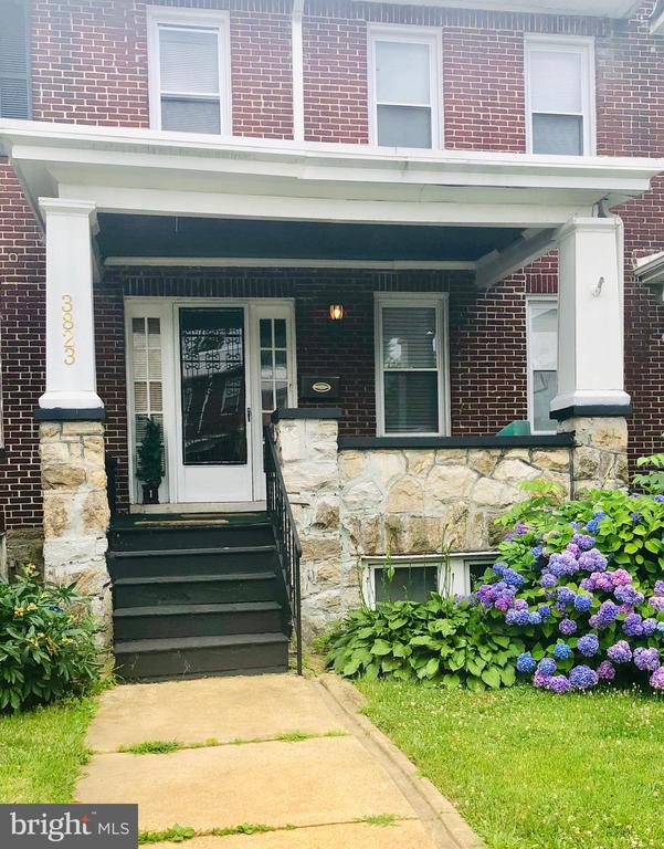 This charming and spacious porchfront home offer hardwood floors, a  breakfast room, formal dining room, 4 bedrooms, 2 full bathrooms and so much more. Conveniently located close to public transporation  ***Seller is very motivated.*** Price is negotiable*** Bring your offer today.